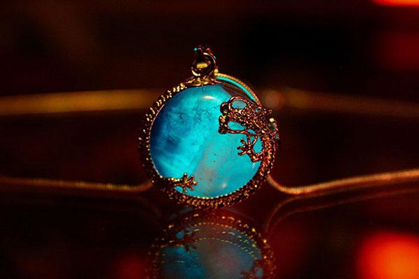 Ngắm bộ ba trang sức đá quý có một không hai