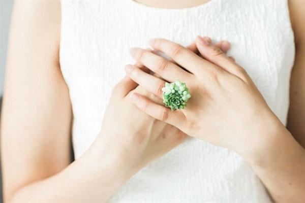 Trang sức cưới độc đáo bằng cây cảnh