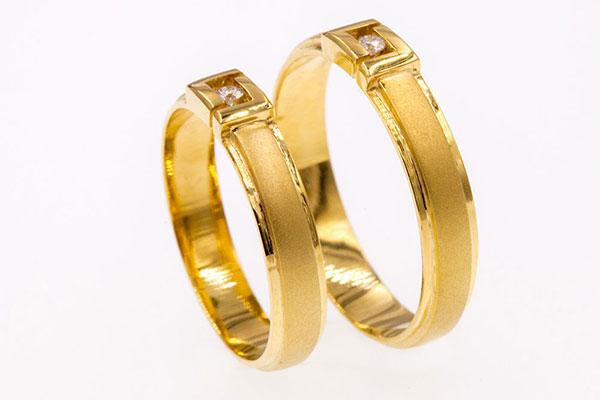 Nhẫn cưới vàng tây: Sự lựa chọn tinh tế cho ngày cưới