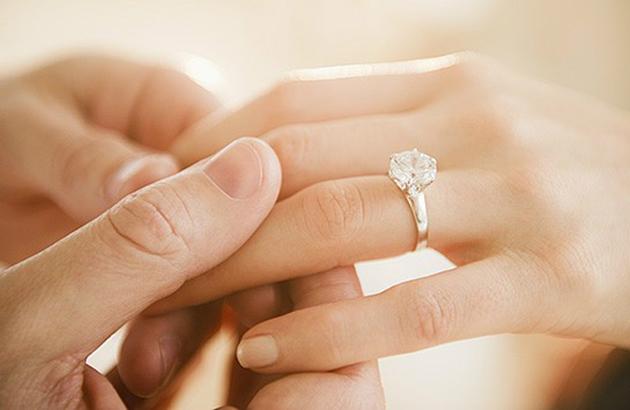 Chọn nhẫn đính hôn theo sở thích và cá tính
