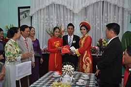 Cửu Long Jewelry tài trợ nhẫn cưới cho cặp đôi tại làng SOS