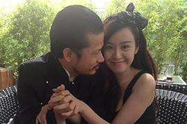 Hùng Cửu Long xin lỗi vợ vì quá thân mật Bà Tưng