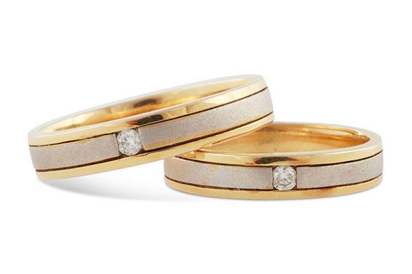Vàng, bạch kim hay kim cương: Nên chọn nhẫn cưới bằng chất liệu gì?