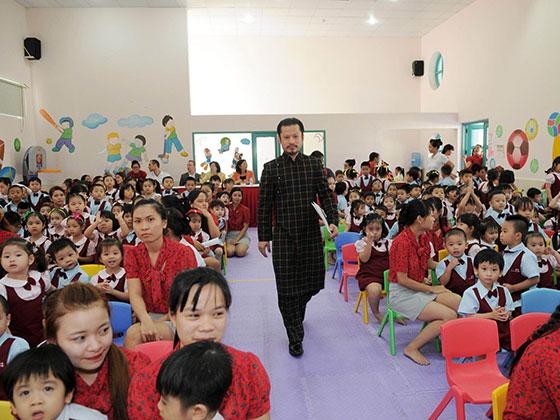 Bài phát biểu của Hùng Cửu Long nhân ngày Nhà Giáo Việt Nam 20/11 tại trường con gái