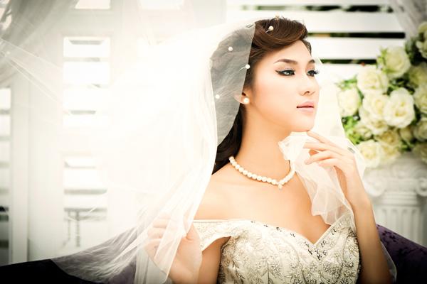 04 cách giúp cô dâu thể hiện sự tinh tế khi đeo trang sức