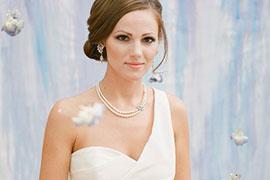 Cách chọn trang sức hoàn hảo với áo cưới