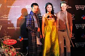 Hùng Cửu Long hội ngộ sao Việt tại Lễ ra mắt phim Hiệp sĩ mù