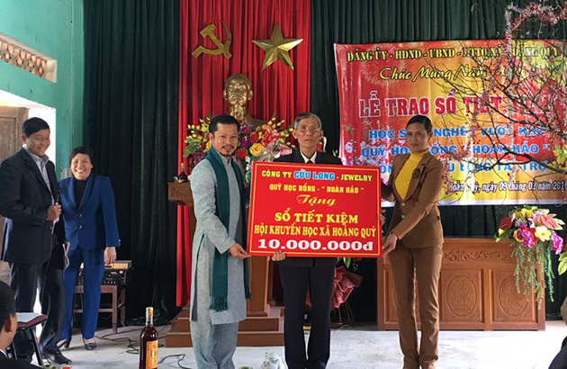 Hùng Cửu Long tại Lễ trao Sổ Tiết kiệm tỉnh Thanh Hóa