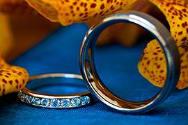Nên mua hay đặt nhẫn cưới