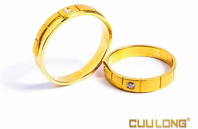 Nhẫn cưới khắc tên cho cặp đôi cá tính