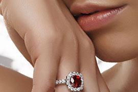Nhẫn Ruby cho cô dâu tháng 7