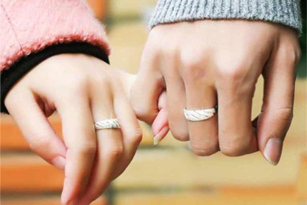 Nhẫn hẹn ước - promise ring: Xu hướng mới của các đôi tình nhân