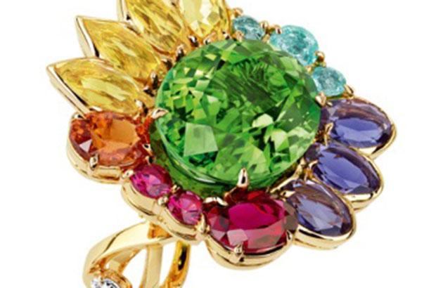 Trang sức đá quý bảy màu lung linh rực rỡ