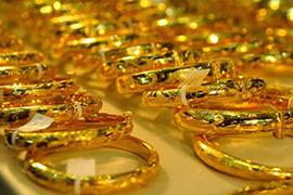 Làm mới trang sức vàng